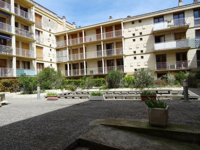 Vente appartement 5 pieces de 116 m2 84000 avignon 294 for Appartement garage